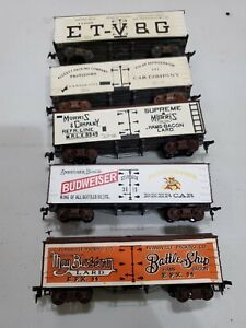 Roundhouse Anheuser.Busch/Evensville plus other Old Time Reefers (HO)(Used)