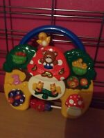 C28 CHICCO   Superbe jeux educatif musical piles fournies TBE