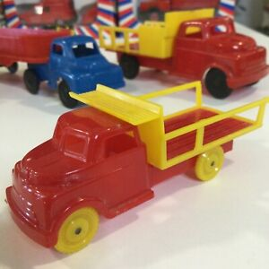 """VINTAGE PYRO HARD PLASTIC 1950s RED DELIVERY TRUCK YELLOW WHEELS 4"""" Or 1:50 USA"""