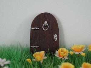 SUPER CUTE SMALL FAIRY DOOR GARDEN ORNAMENT - LET YOUR SECRET FRIENDS IN