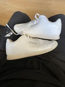Size 4 Reebok Womans Trainers Workout Low