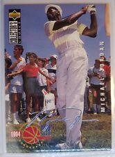 1994-95 Collector's Choice Silver Signature Michael Jordan #204, MJ Golfing