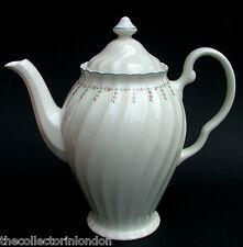 Années 1990 johnson brothers cocagne motif 2.5pt coffee pot & couvercle 25cmh en très bon état