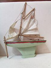 ancien bateau voilier en bois jouet maquette peche
