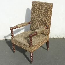 fauteuil XIXème de style Louis XIII à pieds torsadés en acajou à restaurer