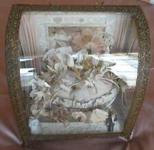 Coffret reliquaire de mariée avec couronne / diadème sur coussin présentoir RARE