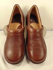 BORN BROWN SOFT LEATHER LOW HEEL SLIP ON 9 M $125.00!!