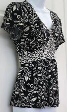 Apt.9 Womens Pretty Black White Floral Print Blouse SZ S Stretchy Slinky V Neck