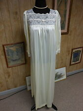 Vintage Val Mode Ivory Nylon + Lace Full Length Loose Fit Nightgown M
