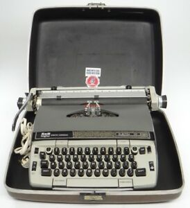 VINTAGE SMITH-CORONA (SCM) ELECTRA 120~ELECTRIC PORTABLE TYPEWRITER & HARD CASE