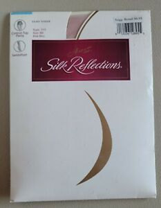 Hanes Silk Reflections Silky Sheer Pantyhose Sandalfoot 717 size:AB Pink Mist