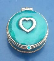 Vintage Gold/Green Tone Pill Box with Heart Design. Magnetic Lock