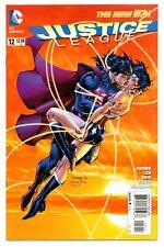 JUSTICE LEAGUE #12(1st)(10/12)SUPERMAN/WONDER WOMAN KISS(BATMAN)J.LEE(CGC IT)9.8