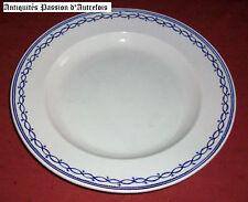 B20110203 - Grand plat en porcelaine de Tournai taille 3 - 36 cm