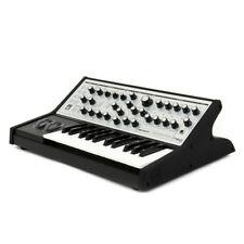 Moog Sub Phatty | Analog-Synthesizer mit 25-Tasten-Keeyboard | NEU