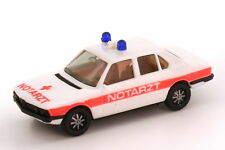 1:87 BMW série 5 528i E12 médecin du SAMU, NEF Pression rouge pâle sans Becquet