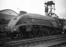 PHOTO  LNER FORMER HUSH HUSH ENGINE NO 60700 STANDS AT KINGS CROSS IN THE 1950'S