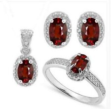 2.60 CT GARNET & 5PCS GENUINE DIAMOND PLATINUM OVER 0.925 STERLING SILVER (sz 8)