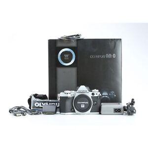 Olympus Om-D E-M5 Mark II + 15 k Shutter Count + Very Good (230381)