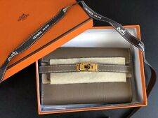 BNIB Hermes Kelly Compact Wallet In Etoupe With Gold Hardware