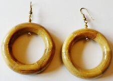 boucles d'oreille percées bijou vintage 80 anneaux en bois léger vernis  5