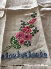 TOWEL WITH EMBROIDERED PRETTY FLOWERS-GREAT FOR CRAFTS PILLOWS