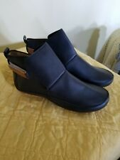 Ladies Navy Blue Low Top Boots, size 40, Unbranded