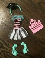"""Monster High Doll Clothing, Shoes & Accessories """"Scarisian Vacation"""" Rochelle"""