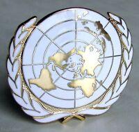 U.N UN United Nations International Peacekeeping Army Beret Metal Badge
