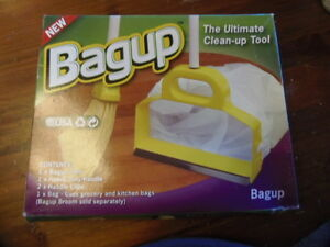 NEW IN BOX....BAGUP ULTIMATE CLEANING TOOL BAGUP   (M-510)