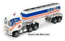 AUTO WORLD ~ BRAND NEW UNION 76 WHITE TANKER ~ NEW IN BOX ~ FITS AFX, AW, JL