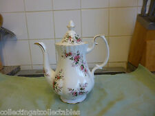 Beautiful Large Royal Albert Lavender Rose Teapot