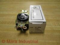 General Electric GL 3330 Single Locking Receptacle