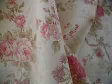 Schöne Yuwa haben wir French Rosen auf sich auf Abendessen bei Creme Boden rot, pflaume, Salbei BTY