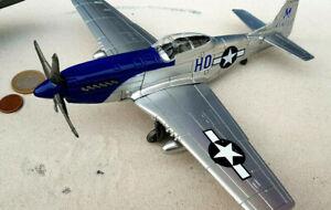 Mustang P - 51 Kinder Flugzeug Fertigmodell Aircraft AVION WW2 1:48 YAKAiR