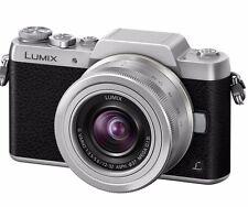 Panasonic Lumix DMC-GF7 Kit inkl. Lumix G Vario 12-32 mm schwarz/silber 12-32mm
