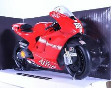 TM03 DUCATI Desmosedici GP9 Casey Stoner Diecast Model Motorcycle Bike Red 1:12