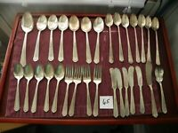 30 PIECES   MAJESTIC   MJC1  SPOONS,FORKS,KNIVES,SPREADERS,SERVING SILVERPLATE