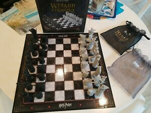 Harry Potter Wizard Chess Set by The Noble Collection 100% Complete