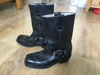 MOTOMAN Black leather Biker Boots Size 43  Free P/P