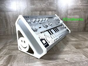 Angled Stand for Behringer TD-3 Bass Synth / RD-6 Drum Machine - WHITE