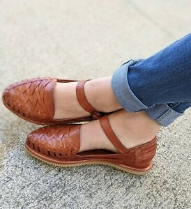 WOMEN'S AUTHENTIC HUARACHE SANDALS. CLOSED TOE MEXICAN LEATHER SANDALS.