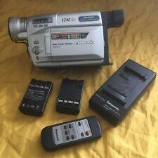 PANASONIC / NV - VZ 10 / VHS-C MOVIE CAMERA / CAMCORDER /  und Zubehörpaket