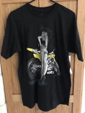 Unit Riders Mens Cheeky S/S Tee TShirt Black Yellow Suzuki Sexy Girl Medium M