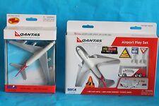 Qantas Toy Boeing 747 400 Plane & Airport Play Set Die Cast Aeroplane Playset