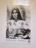 EMMYLOU HARRIS    8x10 photo c