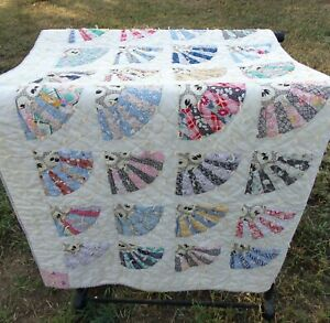 1930's era  Grandmother's fan hand tied quilt 72x67 Very pretty fabric