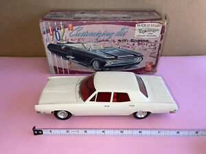 AMT 1962 CONVERTIBLE 3 IN 1 CUSTOMIZING ORIGINAL BOX Plus Built Up 70 Ford Model