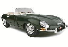 Bburago 12046 Jaguar e Cabriolet 1961 1/18 Modellino