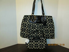 Coach Ashley Black/White Signature Shoulder/Carryall  Bag F15510 & Nwts Wristlet